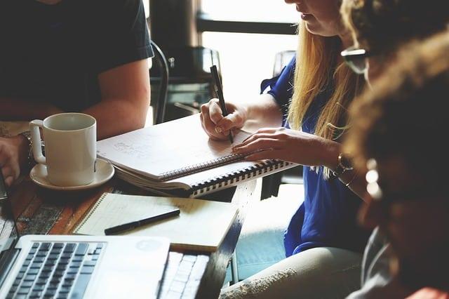 4iMEDIA: Führungswechsel in der Unternehmenskommunikation