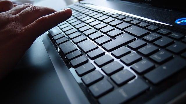 Unsister beauftragt 4iMEDIA journalistische Texte zu erstellen