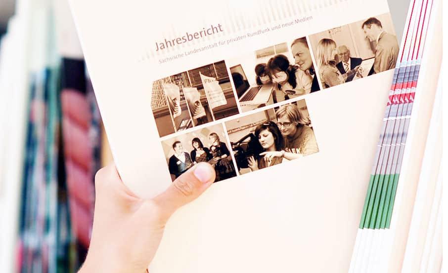 Corporate Publishing und Webdesign Agentur zeichnet für Jahresbericht der Sächsischen Landesmedienanstalt verantwortlich