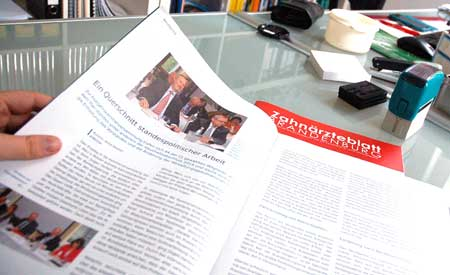 Zur Zusammenarbeit mit der LZKB gehört die redaktionelle Unterstützung bei der Produktion des Mitgliedermagazins durch die PR-Agentur Healthcare