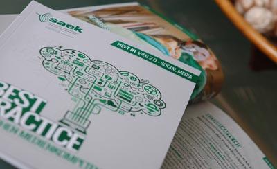 Print Werbeagentur unterstützte die SAEK-Förderwerke bei der Realisierung ihrer ersten Best-Practice-Broschüre.